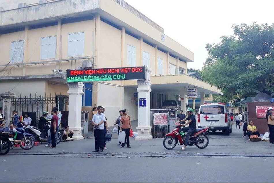 Cổng chính bệnh viện hữu nghị Việt Đức