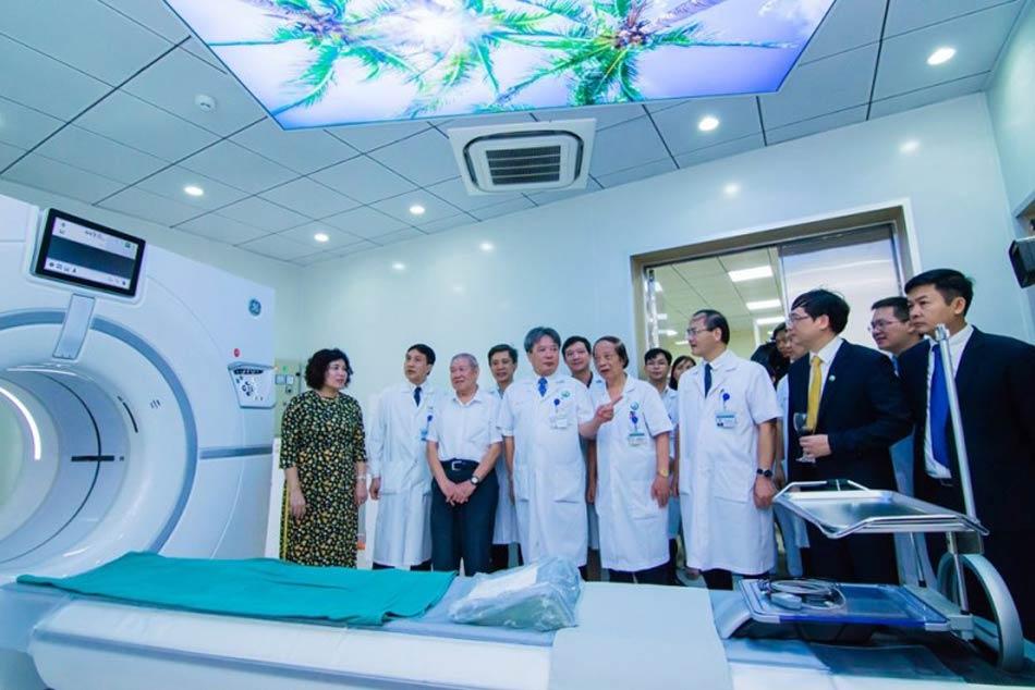Bệnh viện hữu nghị Viết Đức đưa máy móc hiện điện để điều trị những bệnh lý phức tạp