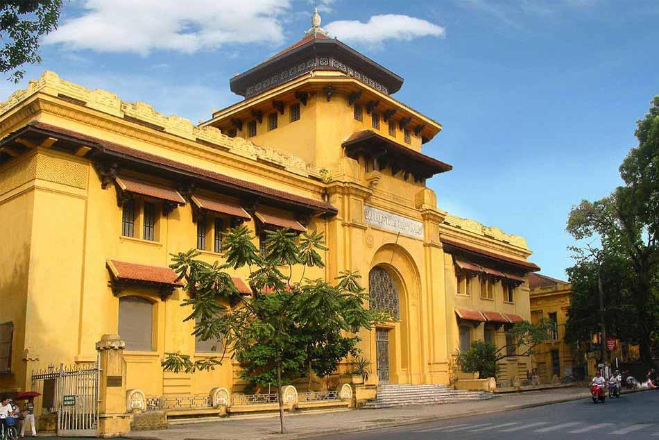 Trường đại học Dược Hà Nội vẫn giữ được kiến trúc kiểu Pháp