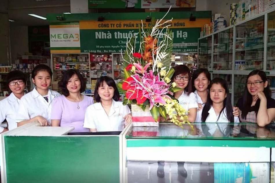 Đội ngũ nhân viên siêu thị thuốc Mega3