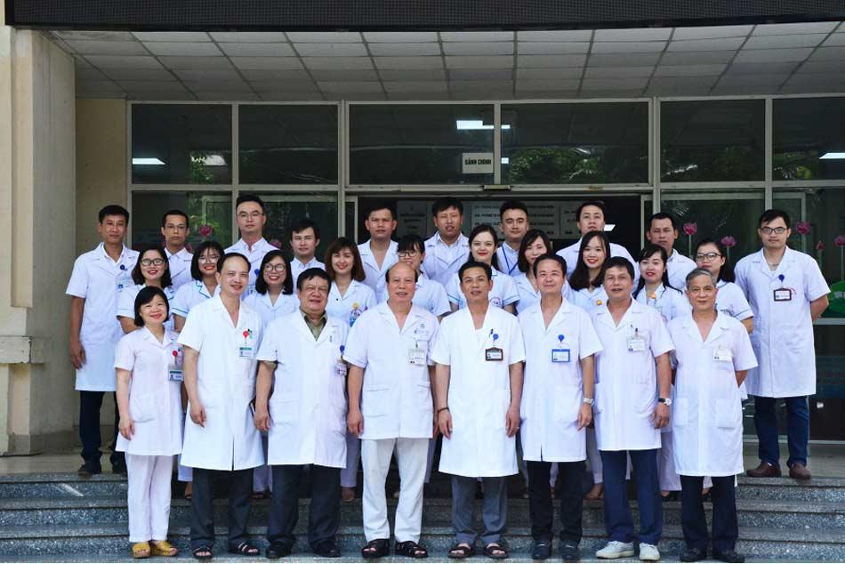 Đội ngũ y bác sĩ ở bệnh viện