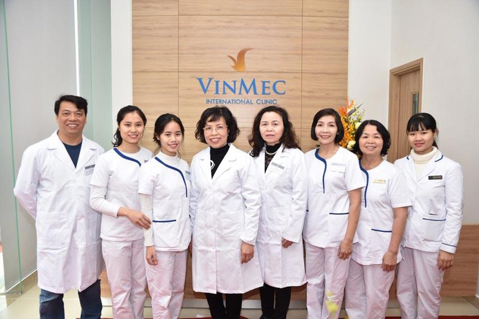 Cán bộ nhân viên y tế tại bệnh viện Vinmec
