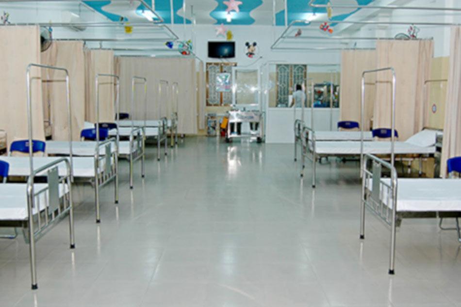 Phòng giường bệnh với không gian thoáng mát, rộng rãi