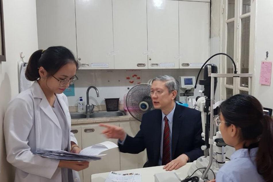Bác sĩ đào tạo thêm những kiến thức chuyên môn
