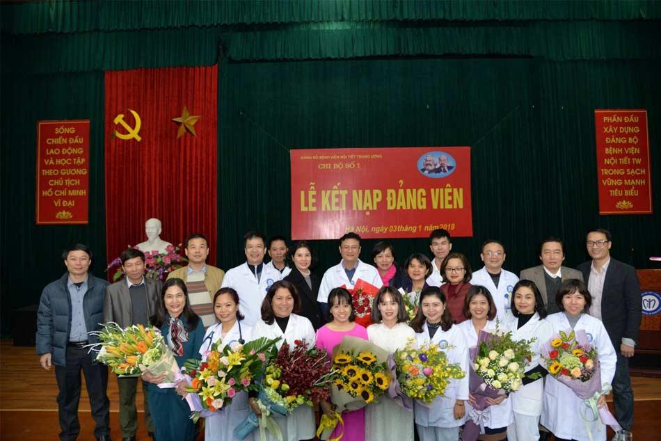 Lễ kết nạp đảng viên ở bệnh viện Nội tiết Trung ương