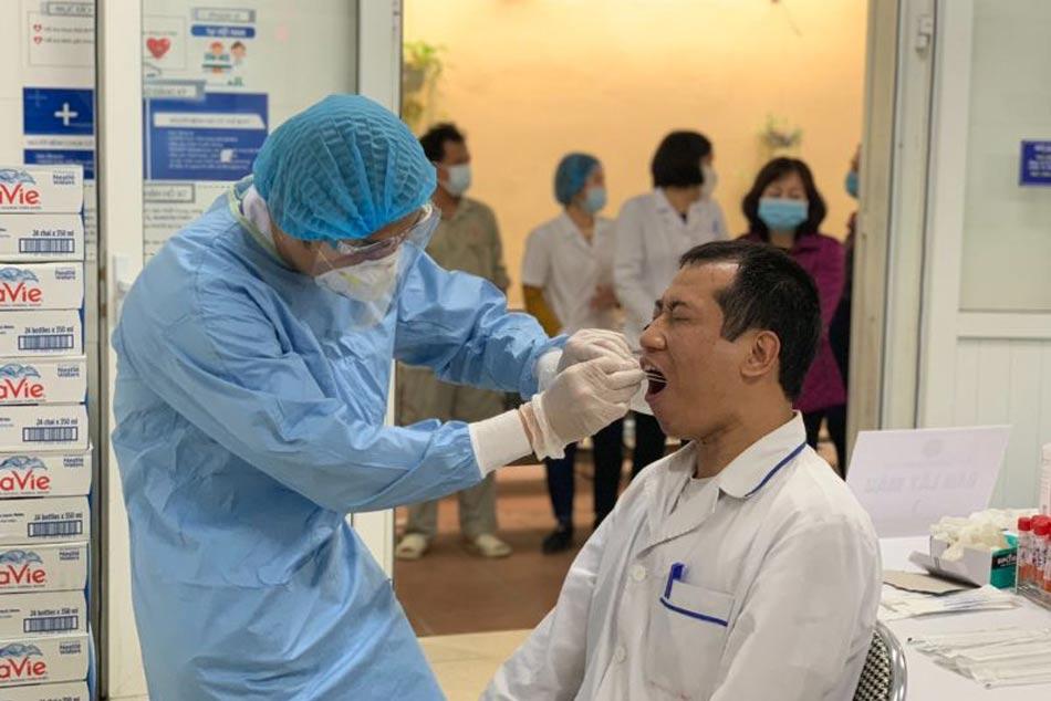 Rà soát, kiểm tra các cán bộ công nhân viện ở trong Bệnh viện