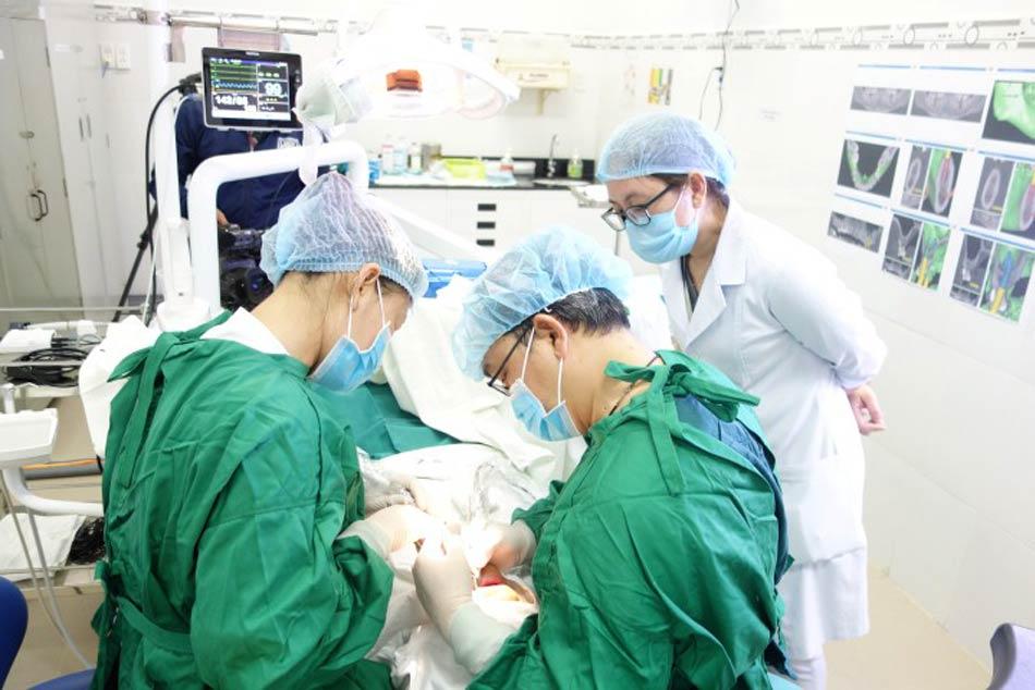 Bệnh viện Răng Hàm Mặt Trung ương thực hiện kỹ thuật khó