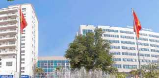 Cổng bệnh viện Thanh Nhàn
