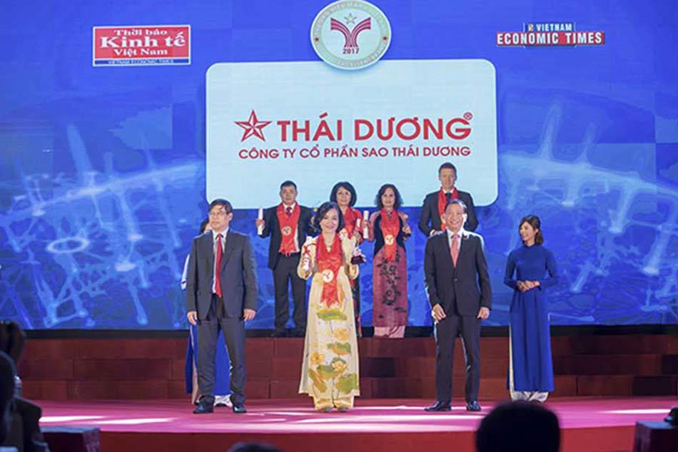 Công ty Sao Thái Dương được thời báo kinh tế Việt Nam trao giải thưởng