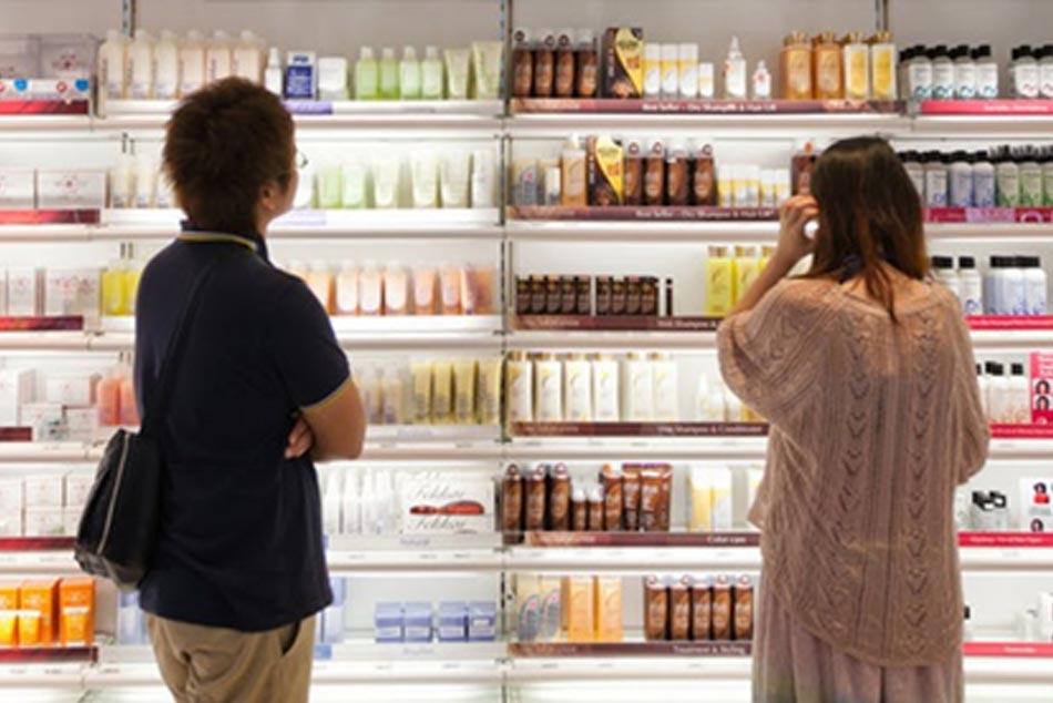 Khách hàng có nhiều sự lựa chọn với sự tư vấn nhiệt tình từ nhân viên